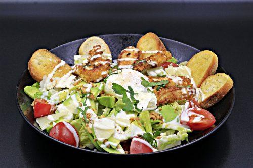 Salade cesar au poulet croustillant - Best Western Marseille Aéroport